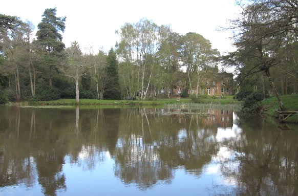 Rowfant House Coarse Fishery thumb